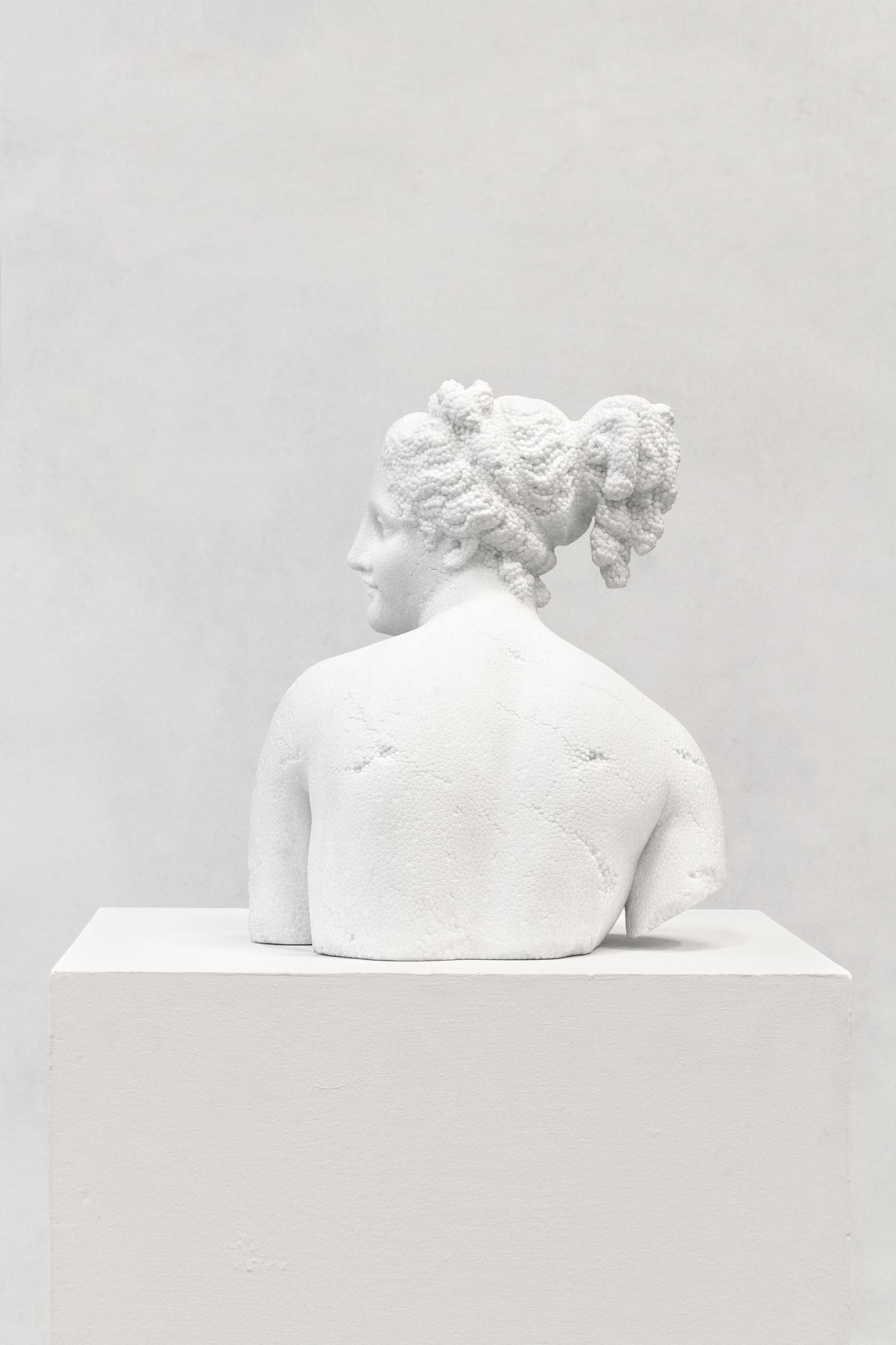 venere-italica-2016-marmo-bianco-cm-53-x-41-x-45-8656